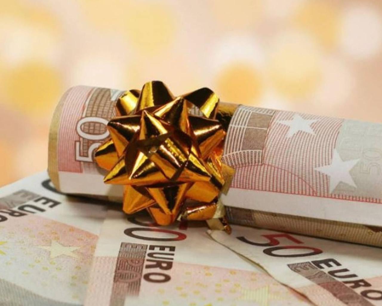 Επίδομα 800 ευρώ – Δώρο Χριστουγέννων: Δικαιούχοι και ημερομηνίες πληρωμής