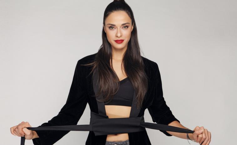 Η Ρενάτα απο το Έλα Στη Θέση Μου πρωταγωνίστρια σε video clip των Stavento