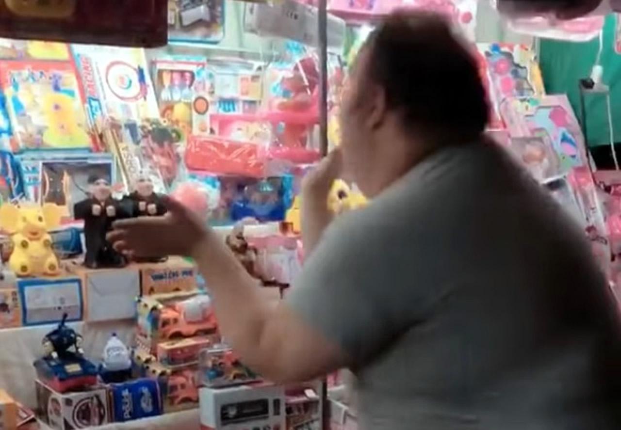 Viral βίντεο, ΒΙΝΤΕΟ, γέλιο, παζαρι, τρελό γέλιο