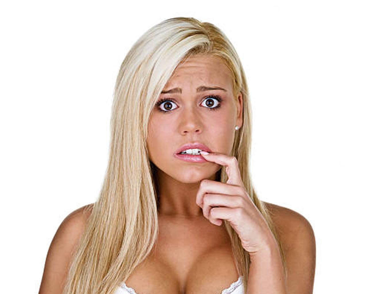 ΑΝΕΚΔΟΤΟ: Μια ξανθιά απαντάει σε γκάλοπ. Τρελό γέλιο