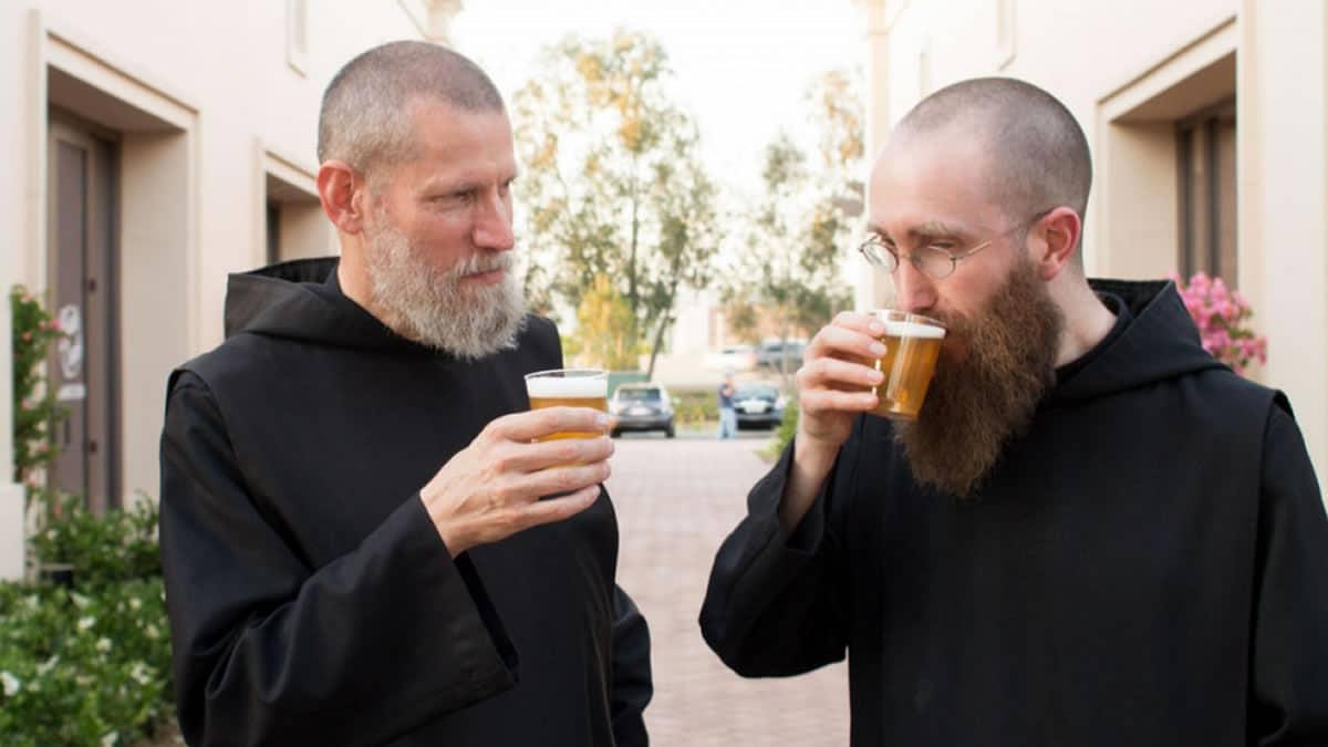 ΑΝΕΚΔΟΤΟ: Δύο καλόγεροι σε ένα ερημικό μοναστήρι! Τρελό γέλιο
