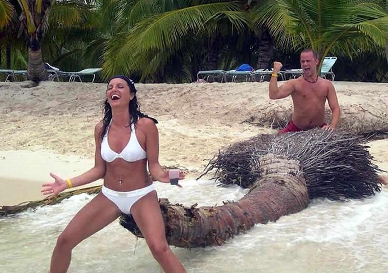 ΑΝΕΚΔΟΤΟ: Ο πιο βλάκας της παραλίας. Τρελό γέλιο