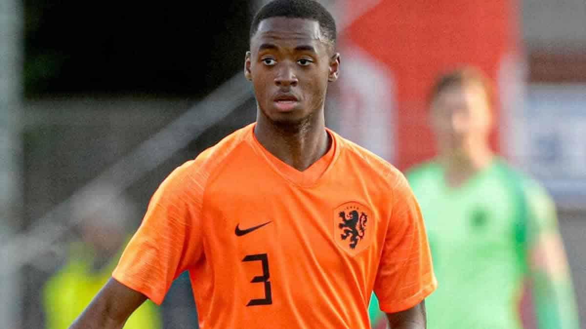 Στην Μπαρτσελόνα 18χρονος Ολλανδός αμυντικός με κόστος 20εκ.ευρώ
