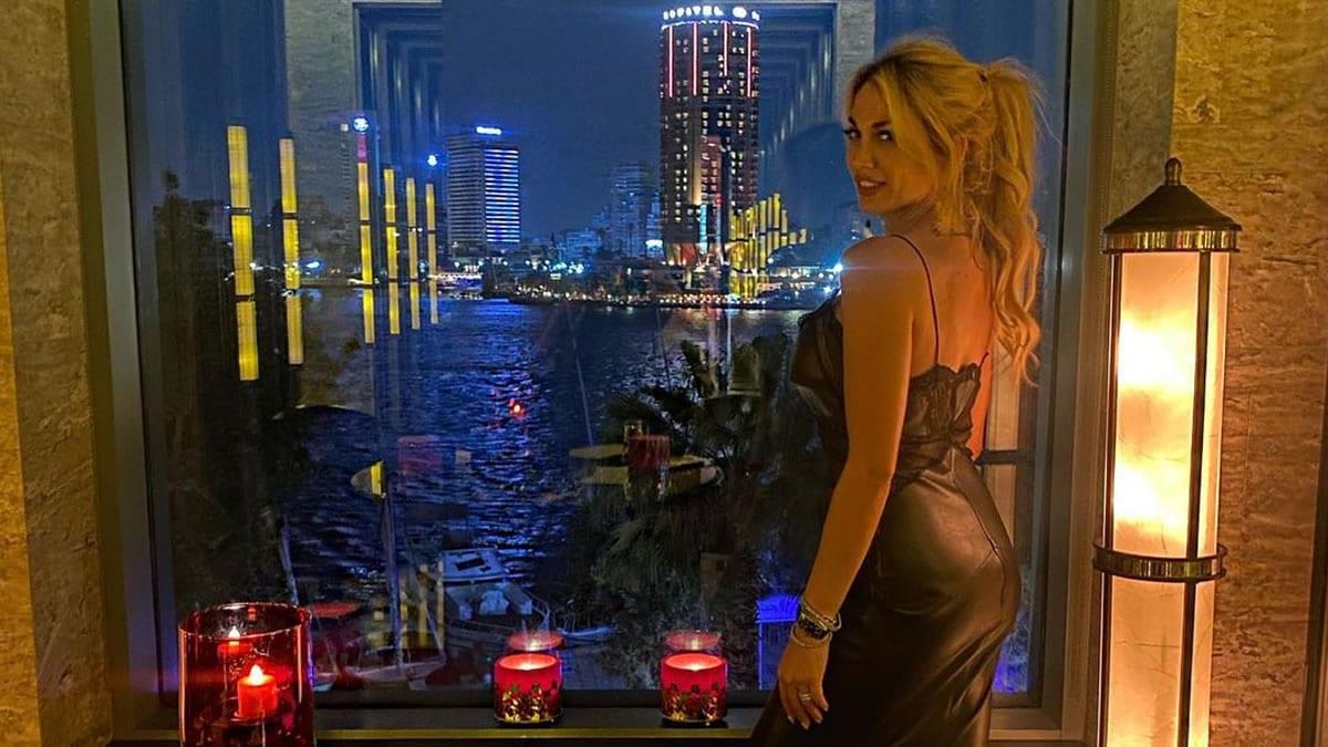 Ποιος χωρισμός; Η Κωνσταντίνα Σπυροπούλου μετά το Κάιρο τώρα και στις Κάννες μαζί με τον Βασίλη