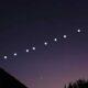 Αρκετά περίεργα φωτάκια στον νυχτερινό ουρανό της Ελλάδας, έγιναν αντιληπτά απο πολλές περιοχές της χώρες με τους συνωμοσιολόγους να