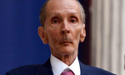 Ο Κωνσταντίνος Αγγελόπουλος που απεβίωσε σήμερα, γεννήθηκε στις 11 Νοεμβρίου 1945. Ήταν μέλος της γνωστής επιχειρηματικής οικογένειας που συνδέθηκε με την «Χαλυβουργική
