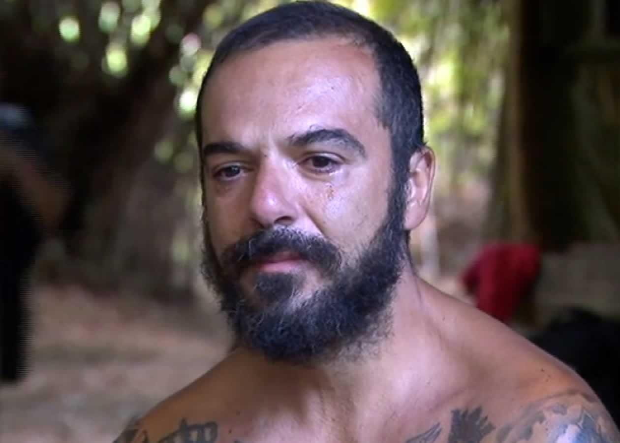 Ο Τριαντάφυλλος παραμένει στο Survivor και αυτό κοστίζει στον Ατζούν τόσο χρηματικά όσο και θέματα τηλεθέασης