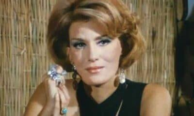 Μια απο τις σπάνιες και λίγες εμφανίσεις της έκανε η μεγάλη ηθοποιός του Ελληνικού κινηματογράφου Μαίρη Χρονοπούλου η οποία έδωσε το