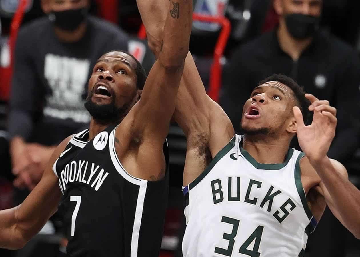 Οι Bucks περίμεναν μετά το 4-0 επι του Miami, τον νικητή του ζευγαριού Nets-Celtics, το οποίο ξεκαθάρισε χτες βράδυ με τους Nets να κάνουν το 4-1