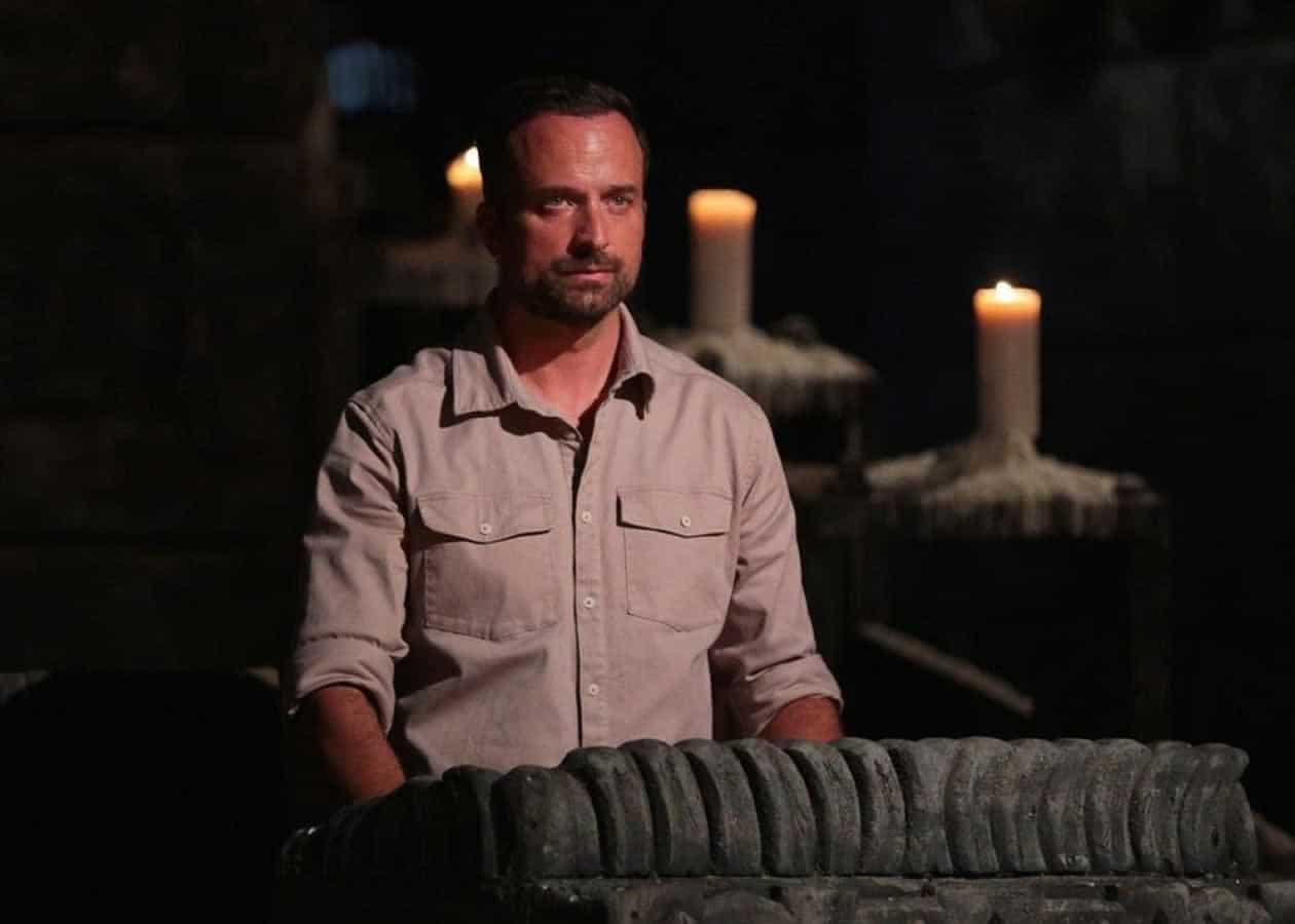 Ο Γιώργος Λιανός πριν την ανακοίνωση της αποχώρησης του Τριαντάφυλλου απο το Survivor, έκανε μερικές ανακοινώσεις για όλες τις αλλαγές