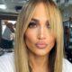 Η Λατίνα super star Jennifer Lopez προτείνει το απόλυτο χρώμα για το καλοκαίρι, το οποίο είμαστε σίγουροι ότι θα σας ενθουσιάσει.