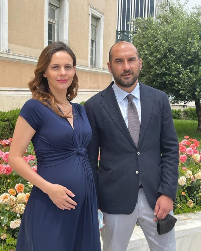 Γέννησε  η Έφη Αχτσιόγλου