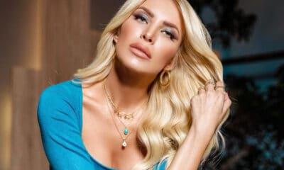 Η παρουσιάστρια ολοκλήρωσε τις υποχρεώσεις της απέναντι στο κανάλι του Open για την φετινή χρονιά. Η συγκινητική τελευταία της εκπομπή