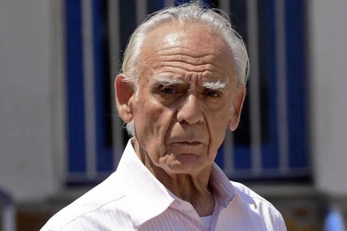 Απο ανακοπή καρδιάς έφυγε σε ηλικία 82 ετών ο Άκης Τσοχατζόπουλος. Ο πρώην υπουργός ήταν ιστορικό στέλεχος του ΠΑΣΟΚ τον τελευταίο