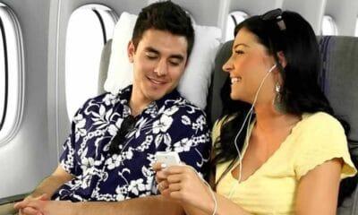 Ανέκδοτο: Είναι ένας άνδρας και μια γυναίκα στο αεροπλάνο δίπλα-διπλα...Πολύ γέλιο